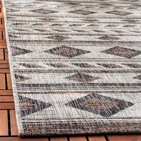 Safavieh Courtyard Rug - 5.3' x 7.6' - Polypropylene - Gray/Black