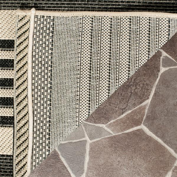 Safavieh Courtyard Rug - 5.3' x 5.3' - Polypropylene - Black/Ivory