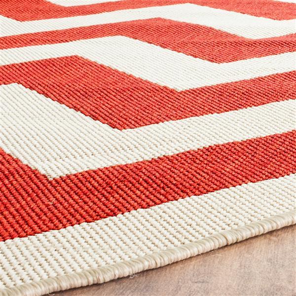 Safavieh Courtyard Rug - 2.3' x 8' - Polypropylene - Red