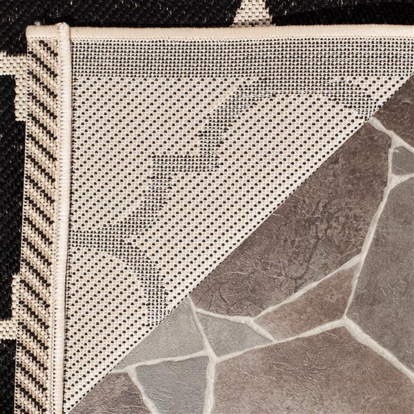 Safavieh Courtyard Rug - 4' x 5.6' - Polypropylene - Black/Beige