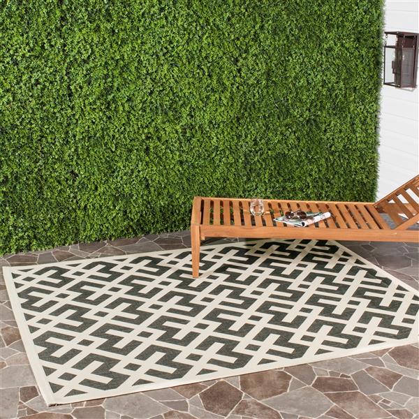 Safavieh Courtyard Rug - 2.6' x 5' - Polypropylene - Black/Beige