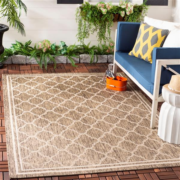 Safavieh Courtyard Rug - 4' x 5.6' - Polypropylene - Brown/Ivory