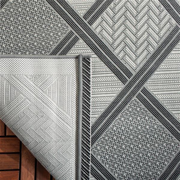 Safavieh Courtyard Rug - 6.6' x 9.5' - Polypropylene - Light Gray