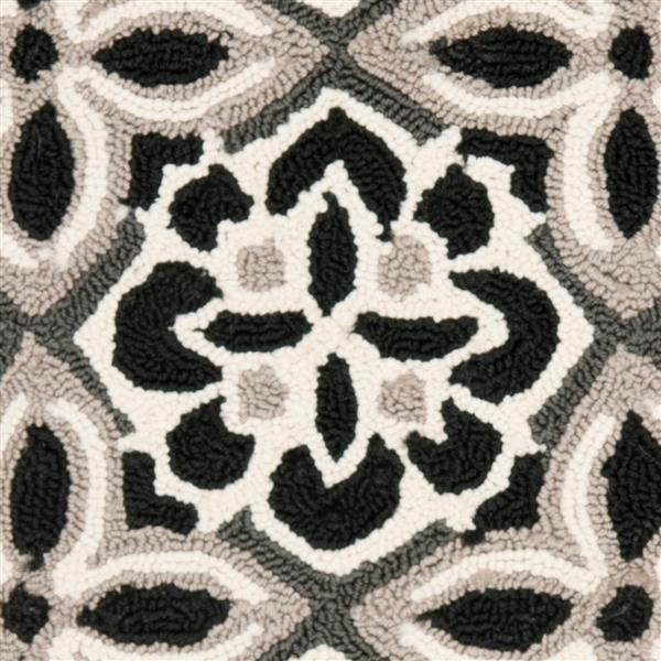 Safavieh Four Seasons Rug - 3.5' x 5.5' - Polyester - Black/Ivory