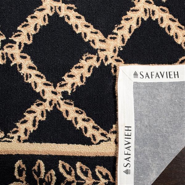 "Safavieh Chelsea Decorative Rug - 2' 6"" x 6' - Black/Gold"