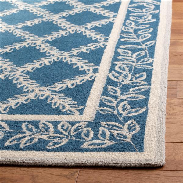 "Safavieh Chelsea Decorative Rug - 2' 6"" x 6' - Navy/Cream"