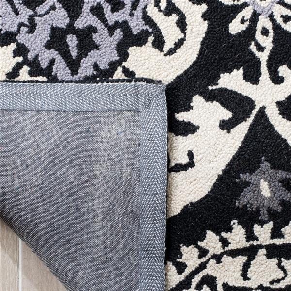 "Safavieh Chelsea Decorative Rug - 2' 6"" x 4' - Black/Ivory"