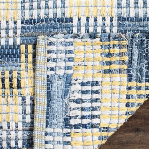 Safavieh Montauk Stripe Rug - 2.5' x 4' - Cotton - Gold/Multi