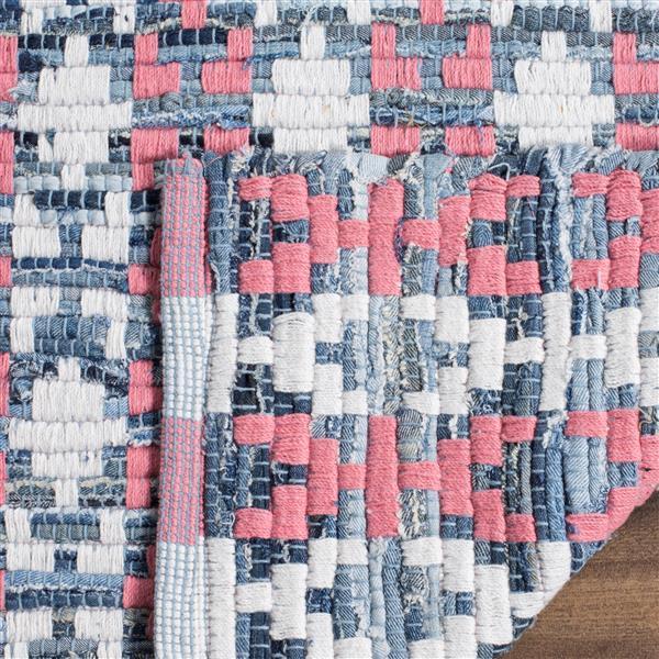 Safavieh Montauk Stripe Rug - 2.5' x 4' - Cotton - Pink/Multi