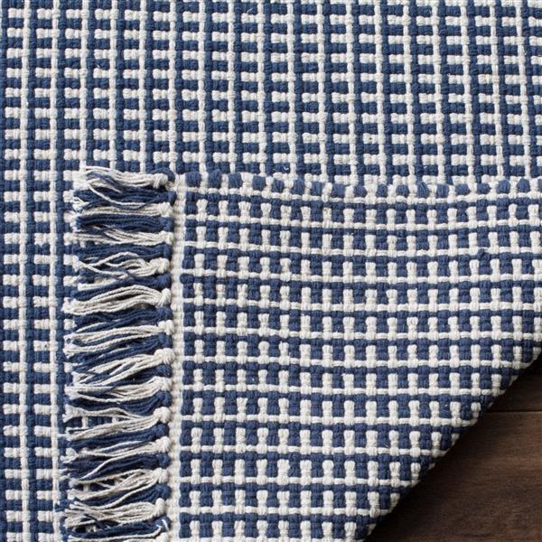 Safavieh Montauk Geometric Rug - 3' x 5' - Cotton - Ivory/Navy Blue