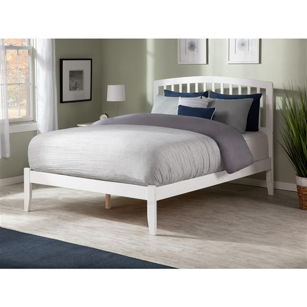 Atlantic Furniture Richmond Queen Platform Bed with Open Footboard - White