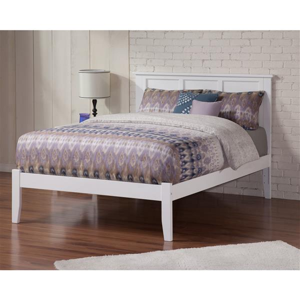 Atlantic Furniture Madison Queen Platform Bed with Open Footboard -White