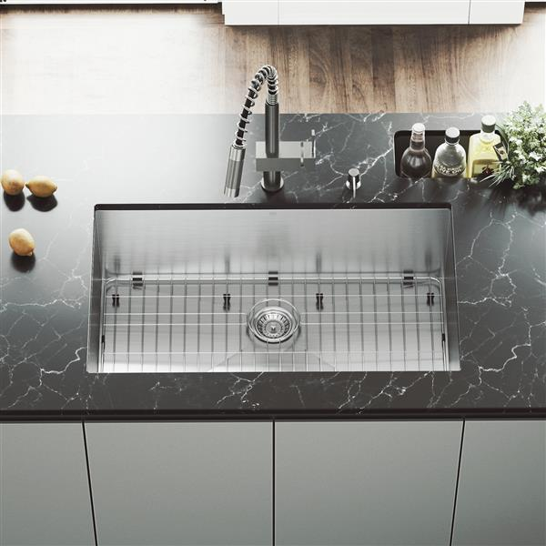 """Vigo® Kitchen Sink with Faucet, Grid and Strainer - 32"""""""