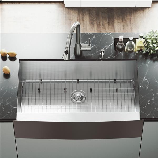 """Évier avec robinet, grille et crépine Vigo(MD), 36"""""""