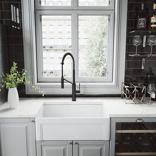VIGO Livingston Magnetic Kitchen Faucet - Matte Black
