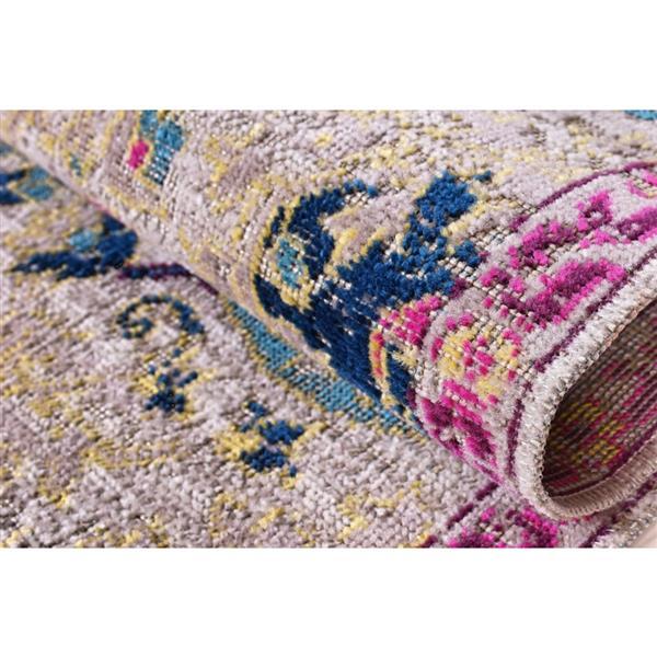 La Dole Rugs® Vintage Area Rug - 5.3' x 7.5' - Polypropylene - Beige/Cream