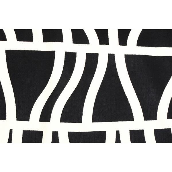 Notre Dame Design Hosta Outdoor Rug - 78.75-in- Polypropylene - Black/White