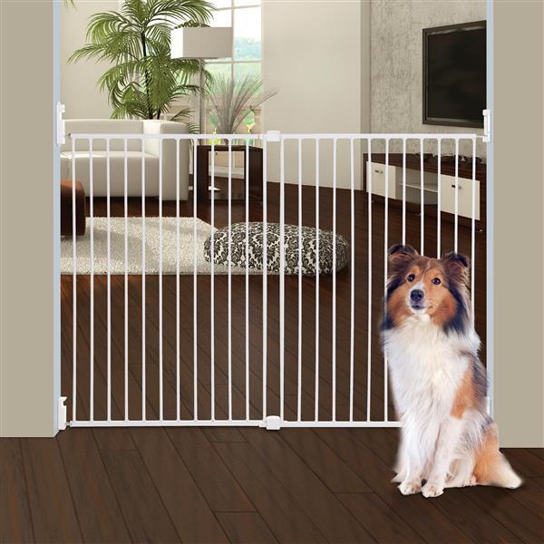 Dreambaby® Broadway Xtra-Wide®  Safetu gate for Child - White