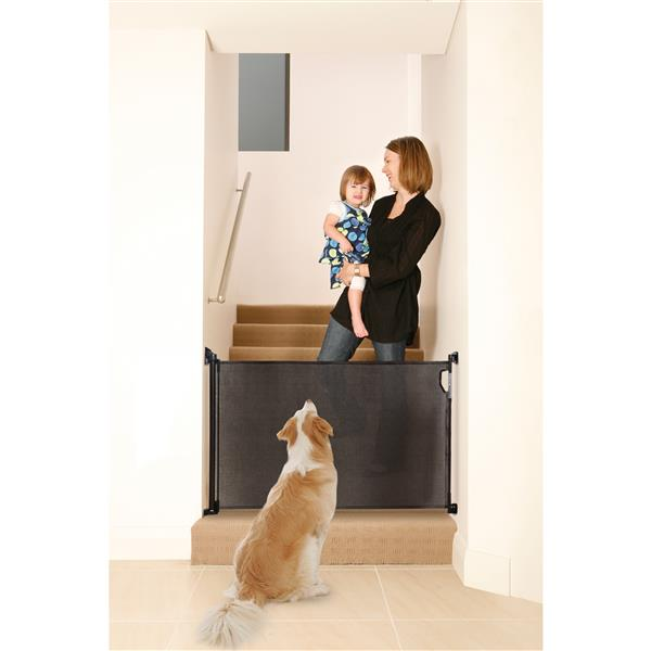 Dreambaby® Indoor/Outdoor Retractable Gate - Black