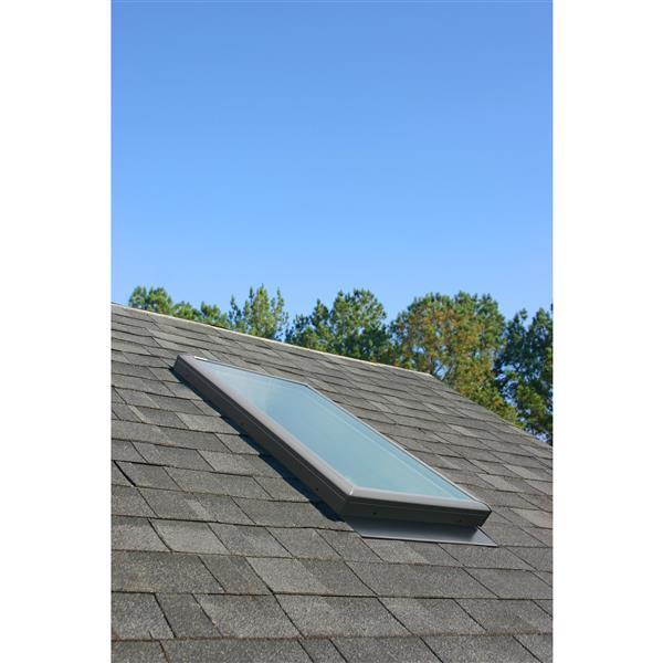 VELUX Fixed Deck Mount Skylight - Laminated - 21.5-in x 55-in