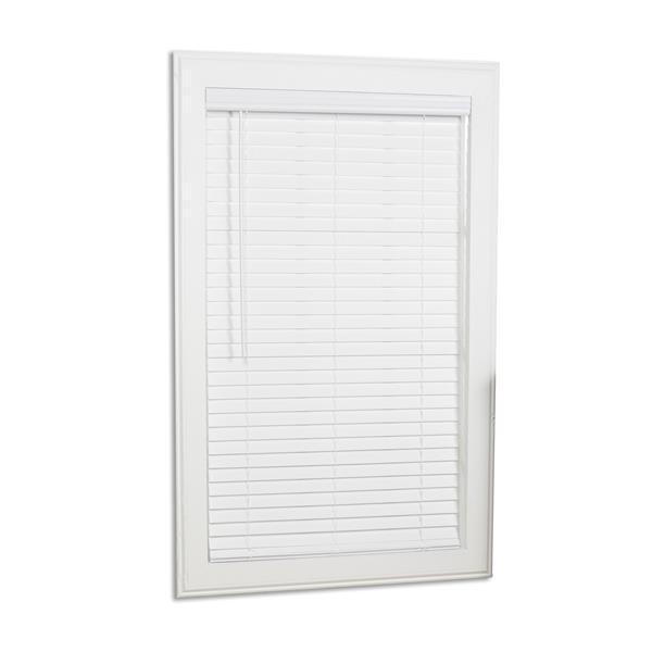 """Store horizontal sans corde, 2"""" x 23.5"""" x 64"""", blanc"""