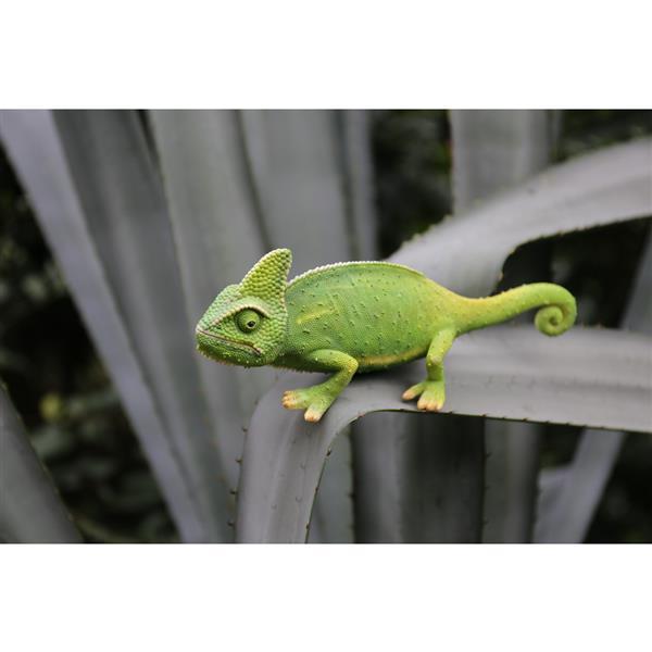 Hi-Line Gift Chameleon Statue