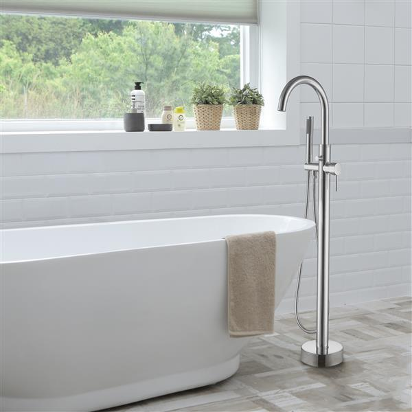 Dyconn Faucet Barron Brass Freestanding Tub Faucet - Chrome
