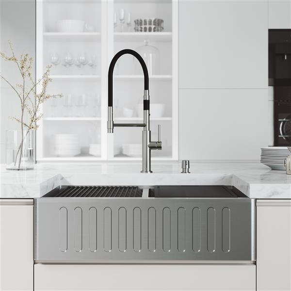 en-CA Oxford Slotted Stainless Steel 33-in Sink - Norwood Faucet and Soap Dispenser