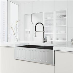Évier de cuisine de 33 po acier inoxydable Oxford de VIGO, robinet Edison et distributeur de savon chrome