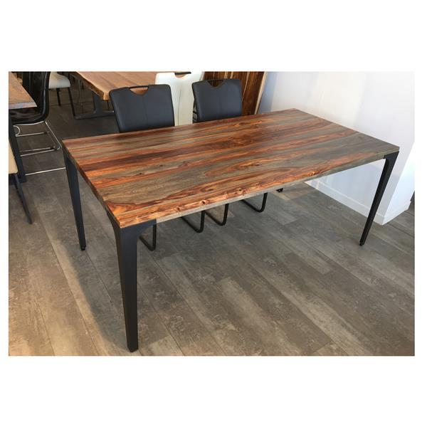 Table en bois de sheesham gris de Corcoran, 70 po, pattes en métal noir