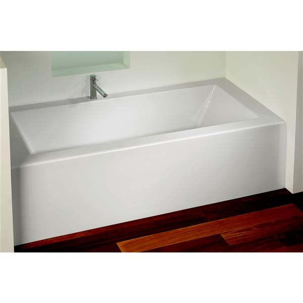 A&E Bath & Shower Clay Tub with skirt - 60-in - White