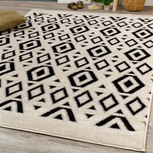 Novelle Home Converge Rug - Diamond Pattern - 5.25-ft x 7.58-ft - Black