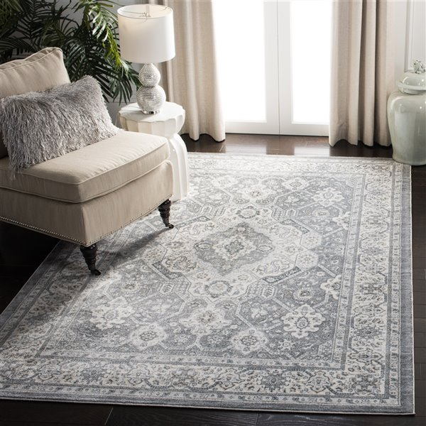Safavieh Isabella Area Rug - 6-ft 7-in x 6-ft 7-in - Square - Gray/Cream