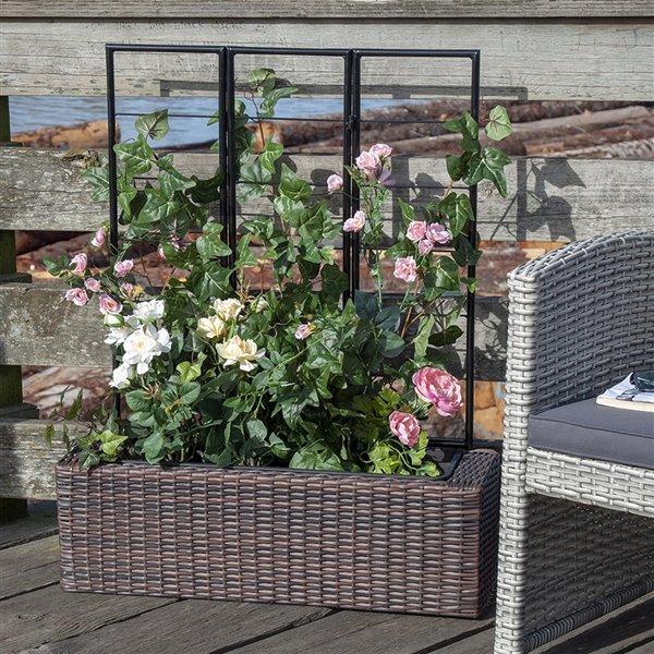 Grapevine Resin wicker planter with trellis- Multi-tone Brown