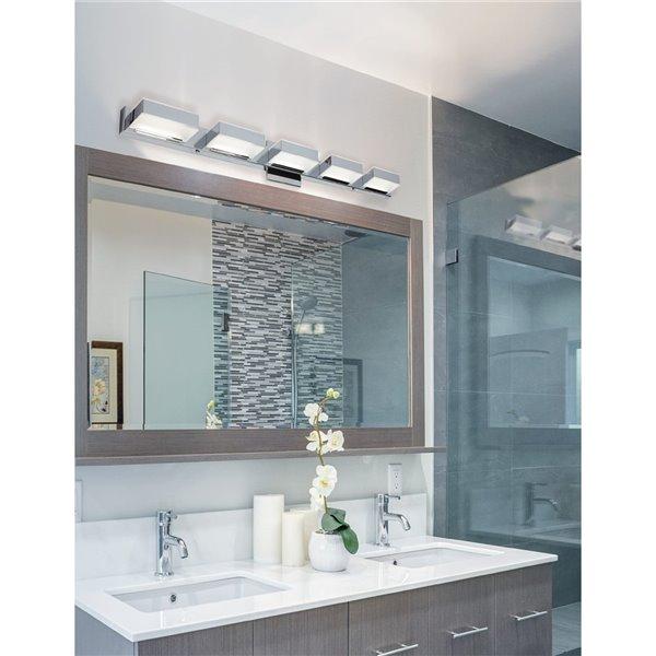 Luminaire pour meuble-lavabo Signature de Dainolite, 5 lumières DEL, 34 po, chrome poli