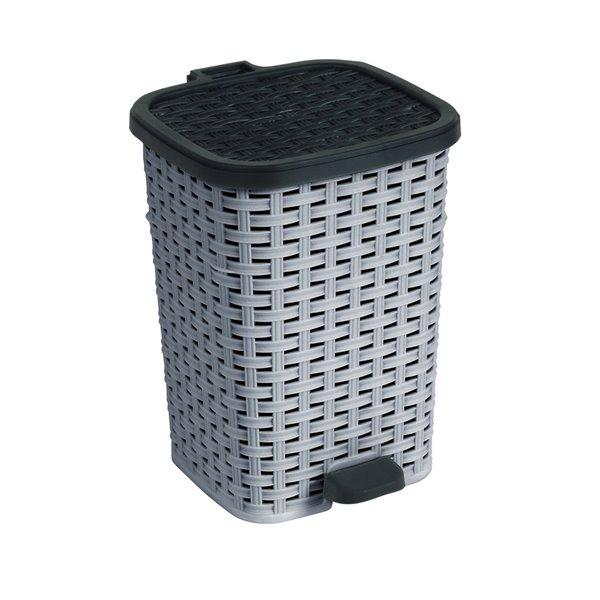 Superio Trash Can - Step Lid - 17-in - 27-L - Grey/Black
