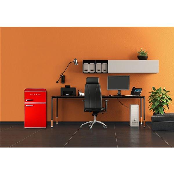 Mini-réfrigérateur Galanz à deux portes avec congélateur, rouge, 3,1 pi.cu.,