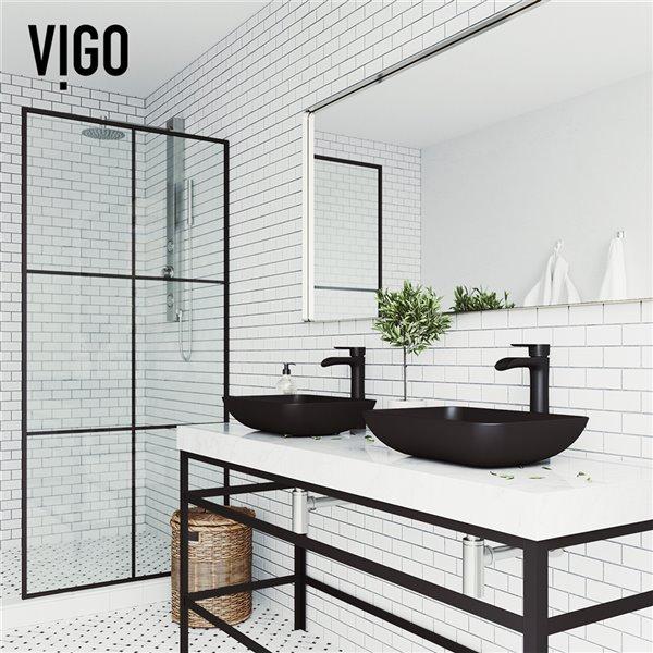 Lavabo de salle de bains noir Sottile de VIGO, robinet noir mat, 18,13 po