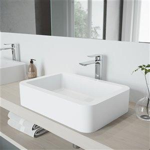 Lavabo pour salle de bains blanc mat Petunia de VIGO, robinet chromé, 22,75 po