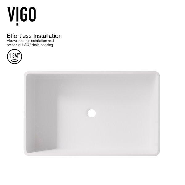 Lavabo de salle de bains blanc mat Magnolia de VIGO, robinet noir, 21,25 po