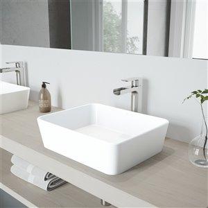 Lavabo de salle de bains blanc mat Marigold de VIGO, robinet nickel brossé, 17,75 po