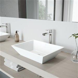 Lavabo de salle de bains Vinca de VIGO, robinet nickel brossé, 18 po