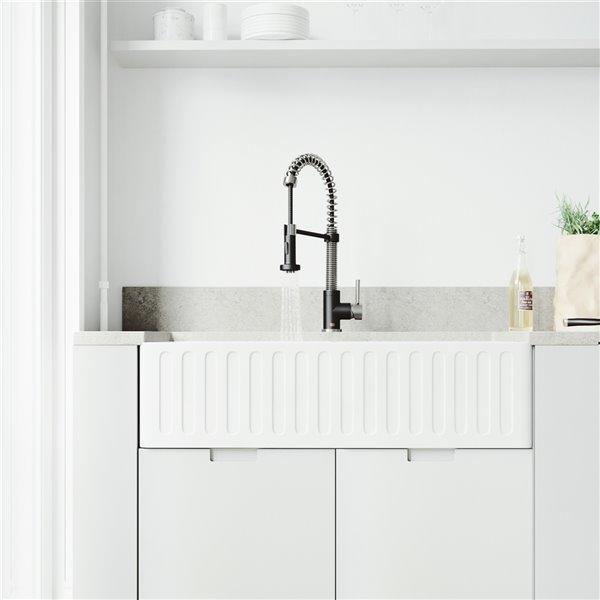 VIGO Edison Pull-Down Kitchen Faucet - Matte Black/Stainless Steel