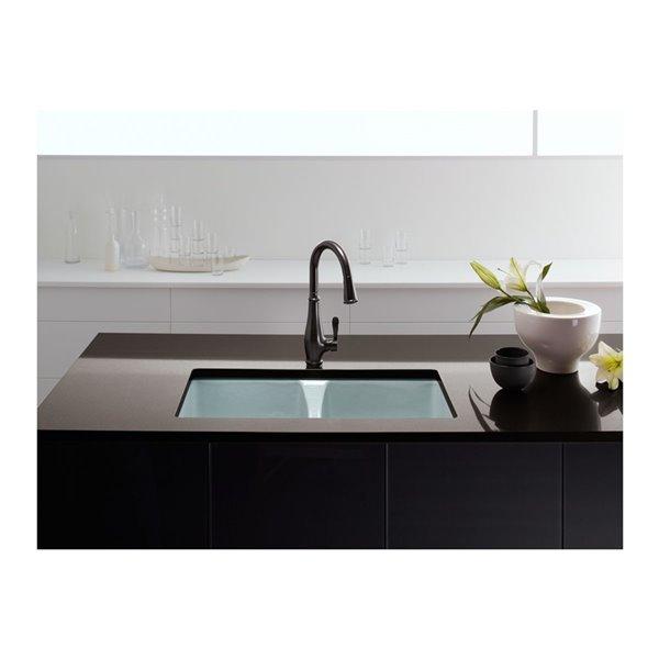 Évier de cuisine KOHLER Deerfield, installation sous comptoir, 5 trous de robinet, blanc, 33po