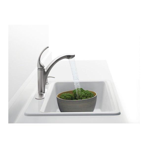 Évier de cuisine KOHLER Riverby avec accessoires, installation en surface et 4 trous de robinet, 33po