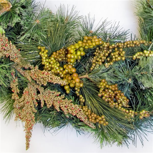 Henryka Decorated Indoor/Outdor Wreathe - 30-in - Golden Decorations & Berries