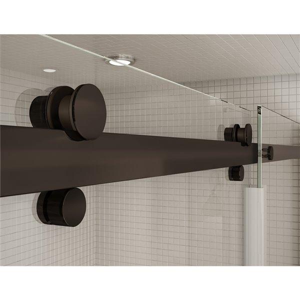 Ensemble bain douche Utile par MAAX Gris Foudre 60 po x 32 po, New Town drain gauche, porte Halo bronze foncé