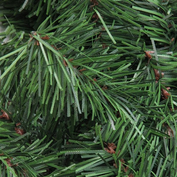 Northlight Green Canadian Pine Artificial Christmas Wreath - Unlit - 36-in