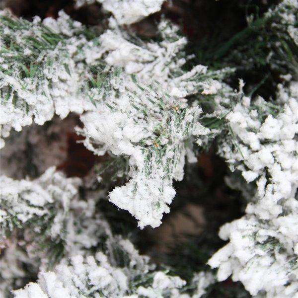 Northlight Medium Heavily Flocked Pine Artificial Christmas Tree - Unlit - 9-ft