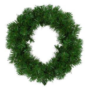 Northlight Deluxe Windsor Pine Artificial Christmas Wreath - 16-in - Unlit